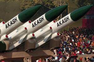 Индия успешно испытала зенитную ракету Akash Prime
