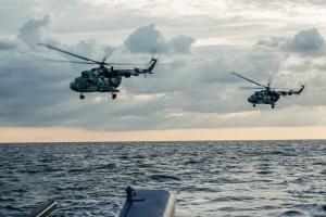Украинские морпехи десантировались на берег под огнем условного противника
