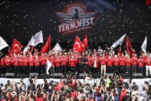 Стамбульський Teknofest: Безпілотники, літаючі авто та юні винахідники