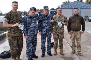 Вышли в море на бронированном катере: делегация США посетила район ООС