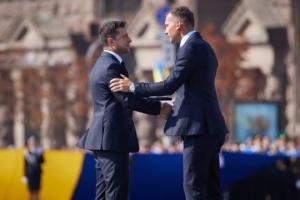 Zelensky felicita a Andriy Shevchenko por su 45º cumpleaños