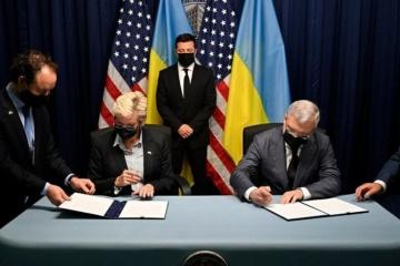 Oficina del Presidente: Una serie de documentos importantes firmados como parte de la visita de Zelensky a EE. UU.