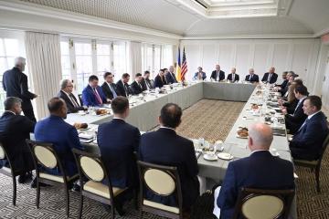 ゼレンシキー大統領、米商業界代表者にウクライナへの投資を呼びかけ