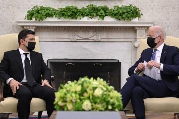 Selenskyj schlägt Biden neues Format zur Regelung der Lage in Ostukraine vor