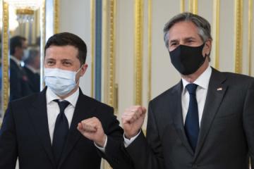 Blinken agradece a Ucrania por ayudar en la evacuación de personas de Afganistán