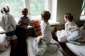 ウクライナ、毎年約1万人が孤児に=社会政策省