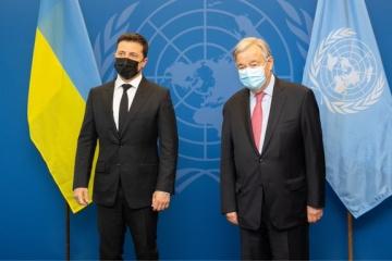 Zelensky mantiene conversaciones con el Secretario General de la ONU y el presidente de la AGNU