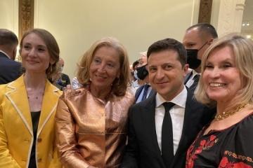 Zelensky asegura a la diáspora en EE.UU.: Ucrania implementará la idea de la doble ciudadanía