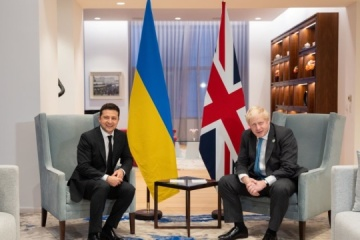 Präsident Selenskyj trifft sich in New York mit britischem Premier Johnson