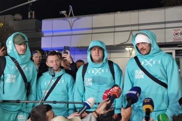 Boxen: Usyk kehrt nach dem Kampf mit Joshua in die Ukraine zurück