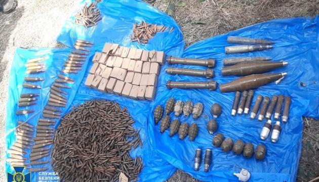 У Мар'їнці виявили схрон бойовика «Пятнашки»