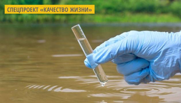 Коммунальщики сбрасывали в озеро в Ривне неочищенные сточные воды