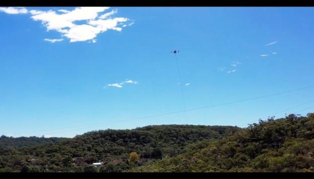 В Австралии впервые в мире дрон помог распутать электрокабели