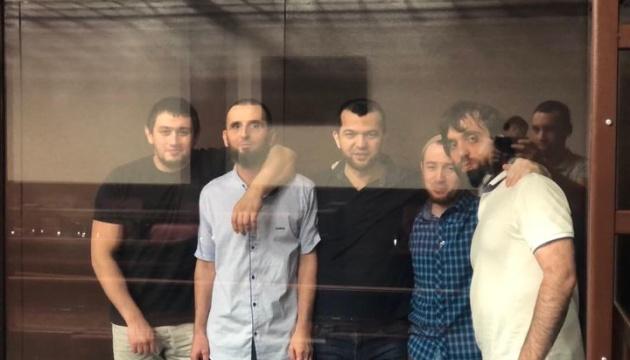 Російський суд продовжив на три місяці арешт п'ятьом кримськотатарським активістам