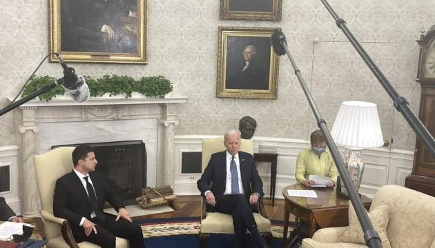 Байден заверил в прочном партнерстве между Украиной и США