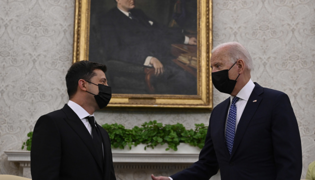 ゼレンシキー大統領、バイデン米大統領との会談内容を総括 東部情勢解決の新フォーマット提案