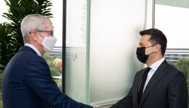 ゼレンシキー大統領、米アップル社CEOと会談