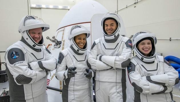 SpaceX назвала дату запуску першої цивільної космічної місії Inspiration4