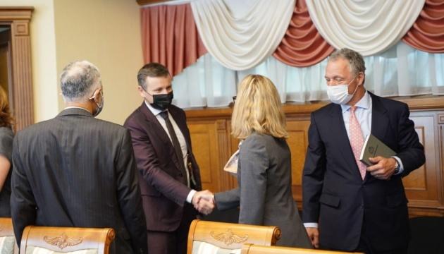 Finanzminister Martschenko trifft sich mit Anna Bjerde