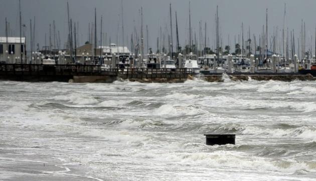 Ураган «Ніколас» налетів на узбережжя Техасу