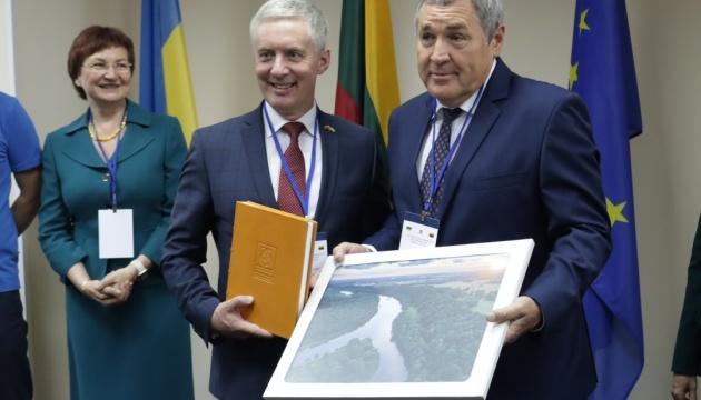 У Миколаєві відкрили почесне консульство Литви