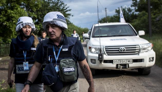 OSZE: Freischärler stationieren Dutzende Militärmaschinen in Ostukraine