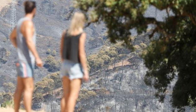 В Іспанії взяли під контроль велику пожежу – допомогли дощі
