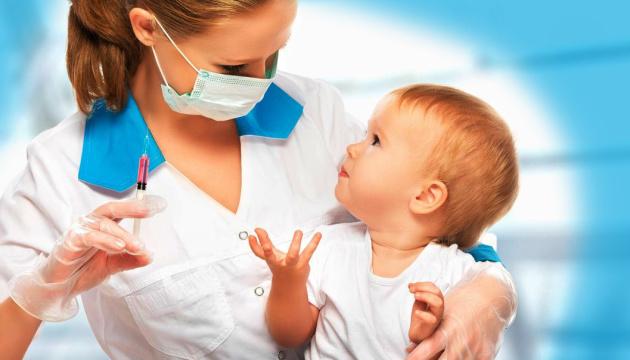 Перші щеплення рятують життя немовлят