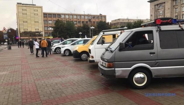 В Черкассах показали самодельные электромобили