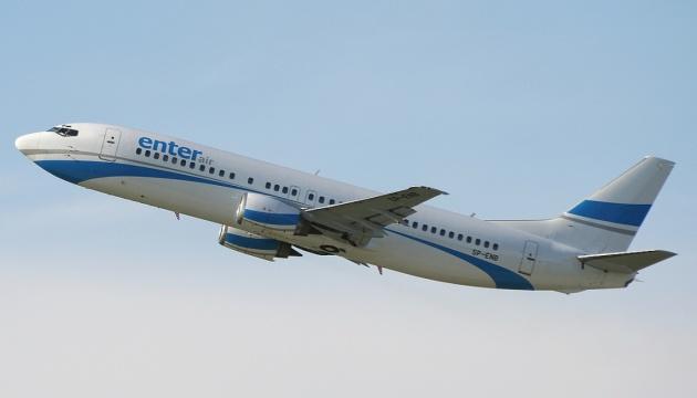 Літак із польськими туристами через несправність двигуна і пожежу на борту сів в Ефіопії