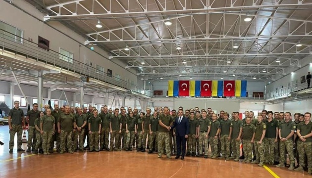 Українські військові у Туреччині вчаться керувати безпілотниками Bayraktar