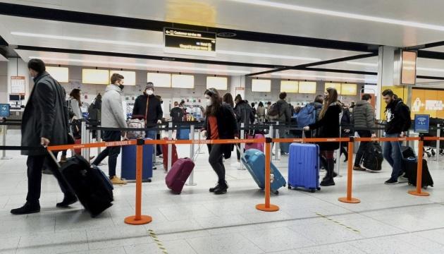 США планують спростити правила в'їзду з країн «червоної» зони