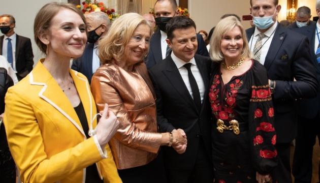Ukraine to implement idea of dual citizenship, Zelensky assures diaspora in U.S.