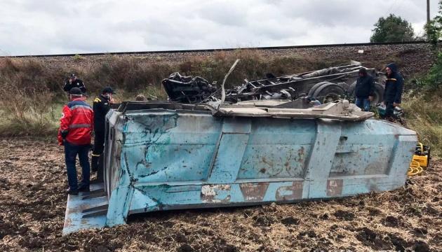 На Миколаївщині КРАЗ зіткнувся з потягом – водій вантажівки загинув