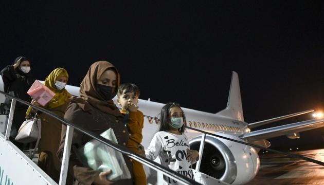 Flugzeug mit evakuierten aus Afghanistan landete am Donnerstagabend in Kyjiw