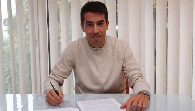 Carlos de Pena signs new contract with Dynamo Kyiv