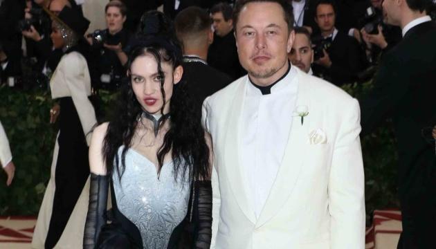 Илон Маск объявил о разводе с певицей Граймс