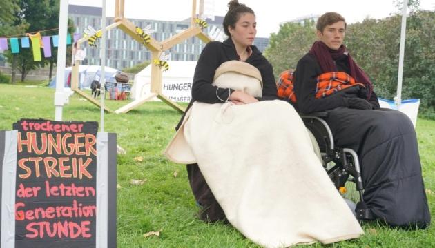 Екоактивісти в Берліні припинили сухе голодування