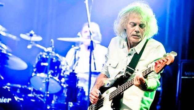 Після важкої хвороби помер засновник рок-гурту Status Quo
