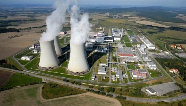 Россию и Китай не допустят к строительству блока АЭС в Чехии - Земан подписал закон
