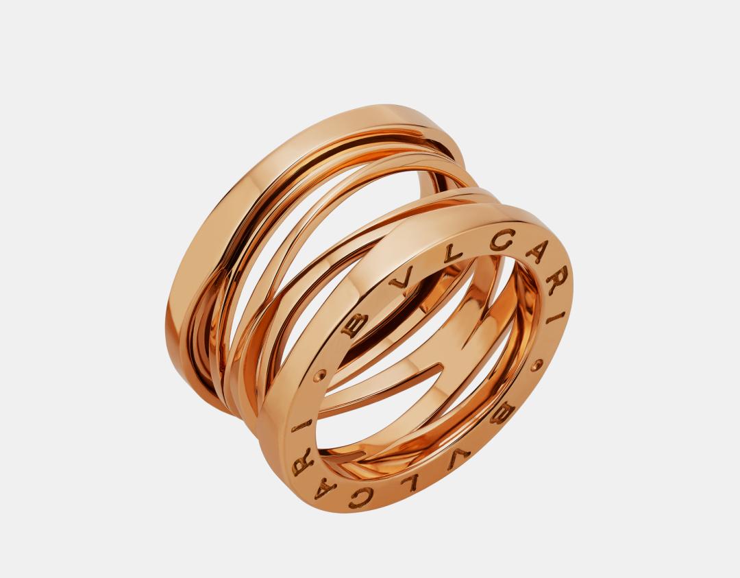 підсумком співпраці з ювелірним брендом Bvlgari стала її авторська інтерпретація легендарної обручки B.zero1 з білого, жовтого і рожевого золота. 1