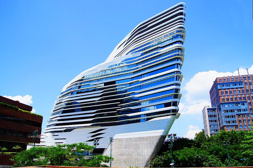 Інноваційна вежа Жокейського клубу в Гонконзькому політехнічному університеті (2014)