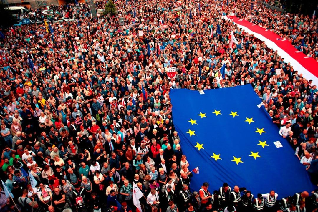 У Варшаві на акцію зібралися близько 100 тисяч людей