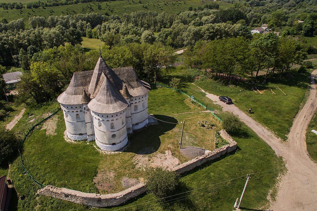 Церква-фортеця у Сутківцях