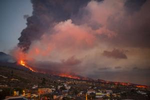 Через виверження вулкана евакуювали майже 10% населення Ла-Пальми