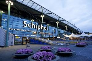 Аеропорт Амстердама очікує два мільйони мандрівників під час осінніх канікул