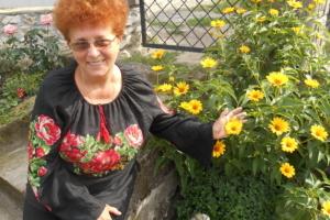 Тернопольская писательница создала книгу о бойцах АТО/ООС «Гроздь калины на ладони»