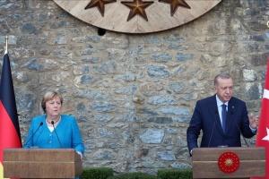 Меркель прагне співпраці з Ердоганом, аби врятувати Афганістан від катастрофи