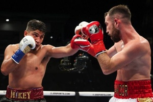 Бокс: Майкі Гарсія сенсаційно програв Сандору Мартіну