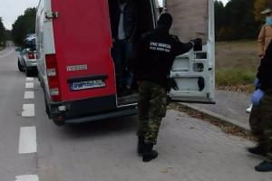 У Польщі затримали українця, який перевозив 27 нелегалів з Іраку